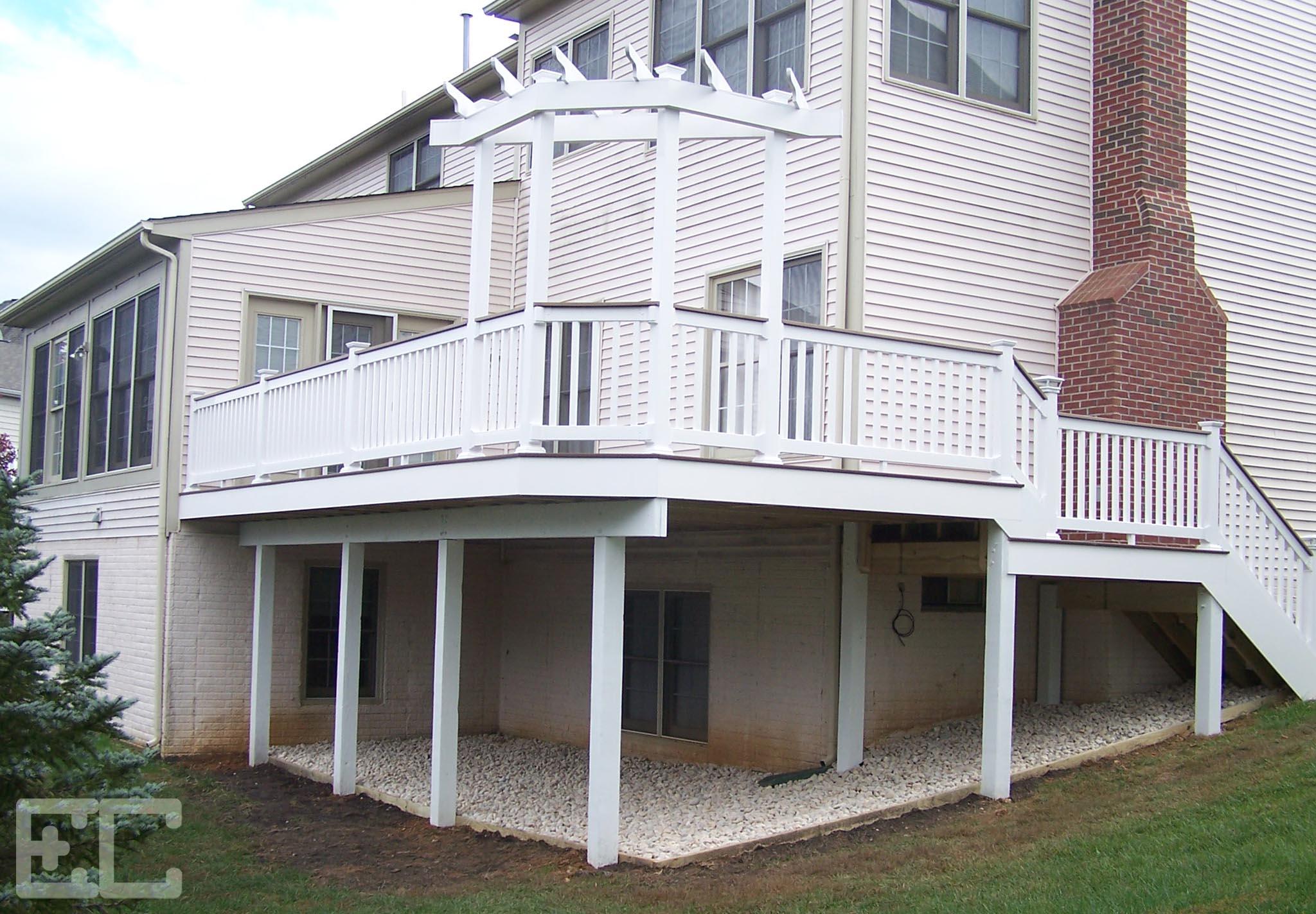 Upper Deck with Trellis